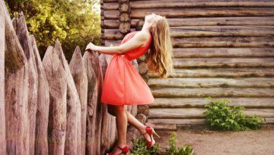 очарованието на червената рокля